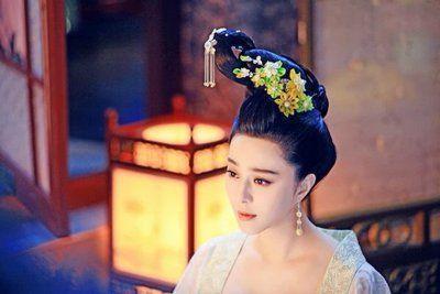 古代女子的髮型如此繁瑣,她們是怎麼梳頭的?答案你猜不到