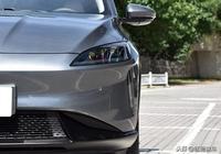 15萬出頭的純電動SUV!標配15.6英寸大屏幕,滿電能跑365公里