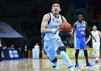 遼寧男籃潰敗新疆告別本賽季,內線被打成篩子。為什麼他們不考慮讓韓德君帶傷出戰呢?