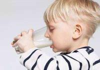 別再說孩子喝牛奶不長個了,常溫奶不等於鮮奶,很多人其實沒喝對