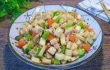 杏鮑菇這個做法,鮮美爽口,營養豐富,拌飯能吃兩大碗