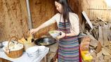 80後媽媽流浪小山村,租一孔窯洞放3張床,挖地種菜還寫了一本書