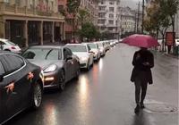 """溫州偶遇保時捷婚車隊,頭車僅79萬,但配""""I DO""""的花朵裝"""