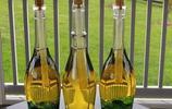 喝酒可以喝出豪情,酒瓶卻可以做出情調