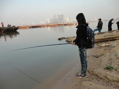 贛江釣魚應該怎樣配餌?