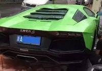 """為什麼好多豪車都貼著""""五菱宏光"""",車主都是怎麼想的?"""