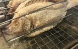 領導請客吃這種白色的魚,以為是麵粉做的,一放進嘴裡大家都笑了