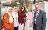 """阿拉伯女人只能黑紗遮面?49歲約旦王后穿著時髦成""""全球最美"""""""