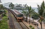 實拍斯里蘭卡傳說中的海上小火車:其實既不在海上,也一點都不小