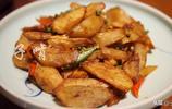 10人吃陝菜花了300多元,喝完一箱酒,點了9道菜各個都是下酒好菜