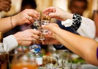 在酒桌上給領導敬酒,有什麼萬能話術嗎?