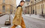 劉憲華離開《嚮往的生活3》越來越時尚,街拍也能這麼帥氣