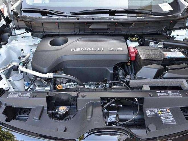 豪華品牌中型SUV, 內飾大屏怒懟特斯拉,油耗8L, 18萬不買最低配
