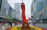 重慶人愛吃辣,甚至將辣椒建成為了地標,成為世界最大的辣椒雕塑