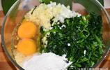 菠菜別再炒著吃了,試試這種新做法,筷子一攪,全家人都愛吃