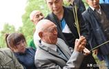 97歲抗戰老兵離家77年後回家,後輩80多人,最想吃的是家鄉的臘肉