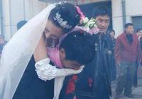 郭曉冬回老家結婚,村民拿10塊錢吃流水席
