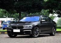 寶馬豪車降價效果真明顯,這車價格直降17萬,一躍成為銷量王!