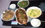 實拍:年入10萬的一家三口餐桌上的飯菜:太豐盛了