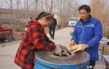 農村夫妻賣3塊1斤好吃筋道的朝牌,一集能掙200多元