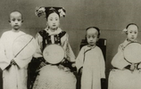清末罕見老照片:貴族大臣家的女人們,圖三顏值高,不輸現在女星