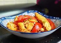西紅柿炒雞蛋這樣做,一碗料汁調配好,色澤鮮豔爽口開胃