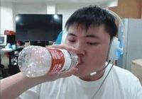 電競遊戲主播的那些尷尬瞬間,喝水到底哪家強?