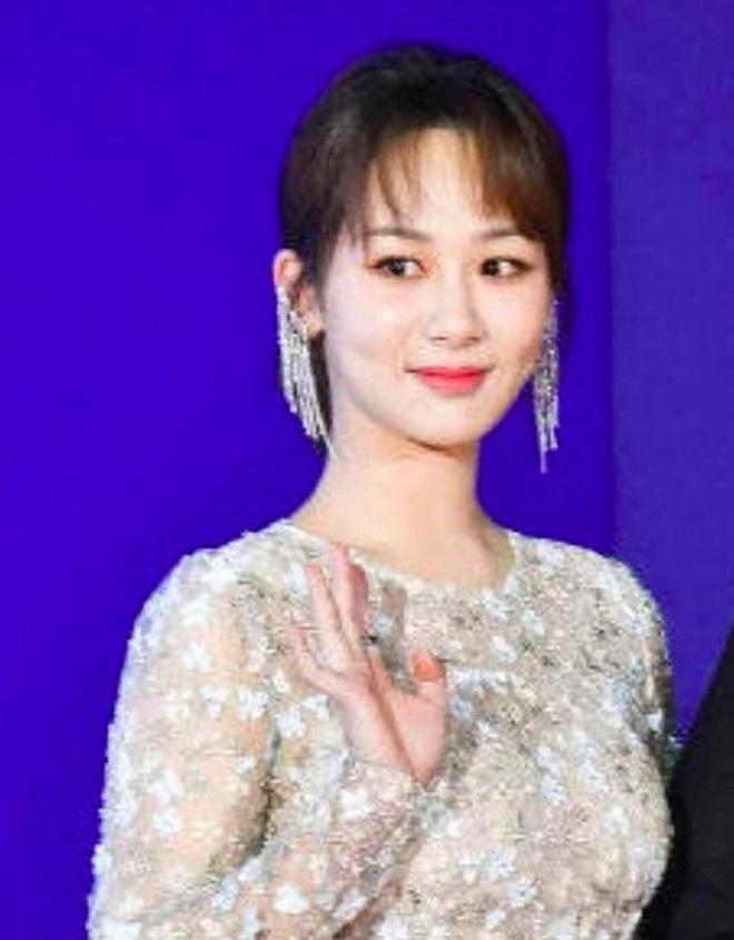 北京電影節女星無修圖曝光,熱巴楊紫都比不過24歲的她嬌俏動人