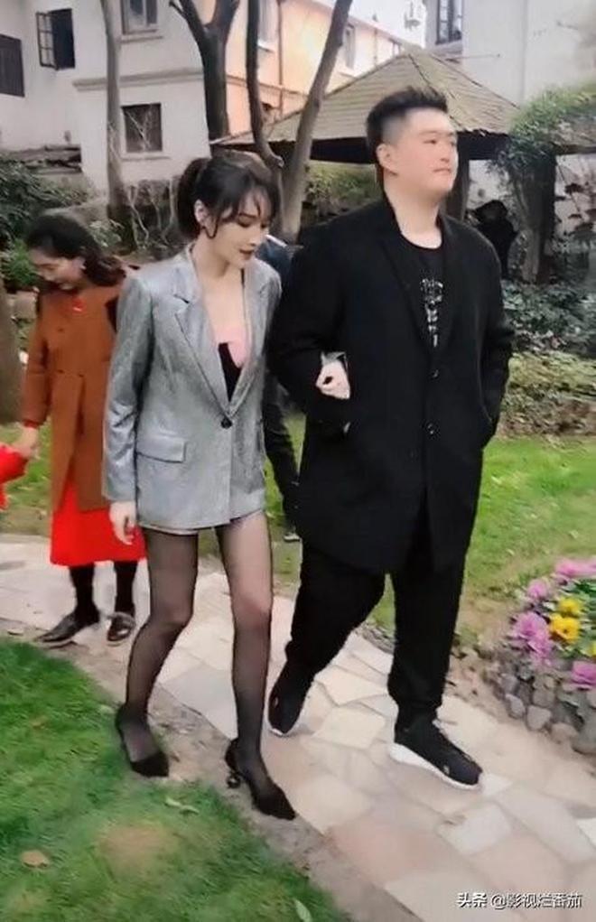 趙本山兒女挽手現身婚禮,倆人雖然是雙胞胎,但是顏值大不同!