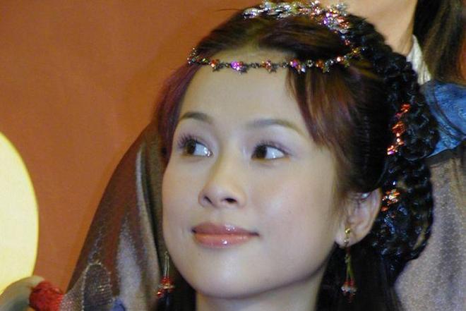 """一不小心嫁了個""""假豪門""""!她比劉濤還慘,如今只能復出接戲養家"""