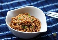 上海灘的洋蔥油麵是怎麼做的呢?