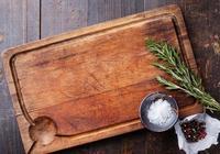 菜板最容易藏汙納垢!開水燙都沒用,只有這麼做才能清洗乾淨
