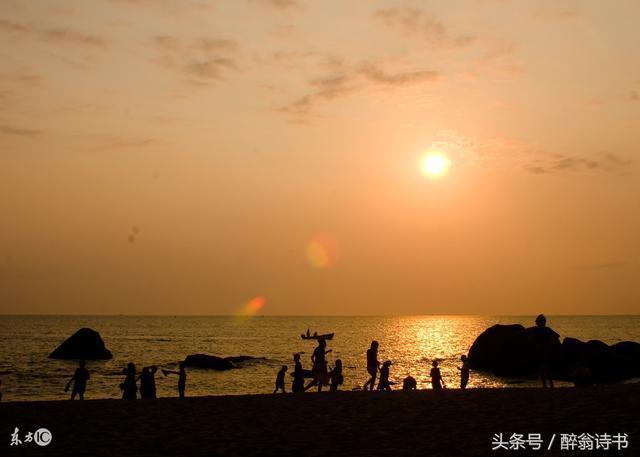 《臨江仙 · 天涯海角共今秋》文/秋的惆悵