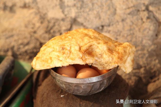 河南農村78歲老人堅守1座小廟3年不出山,看看他生活是啥樣