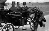 老照片:圖2最大膽的乞丐向英國國王乞討,圖7法國人第一次見飛機