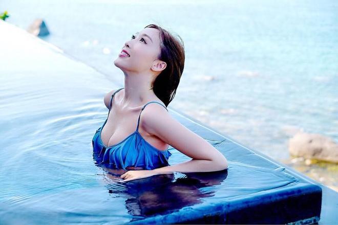 香港女星範文雅晒度假美照獲封新一代性感女神