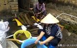 廣西欽州大直鎮騰筆江大村全程純手工包粽子你家包粽子也是這樣嗎