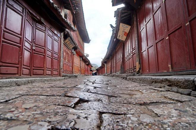 麗江:我們來晚了,古城裡都成了客棧與店鋪,那些原住民都去哪了