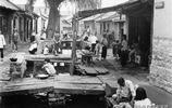 1942年的泉城濟南,同住一條街同飲一泉水,鄉里鄉親其樂融融