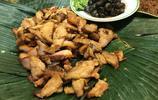 曼谷夜市美食多!烤豬脖子肉、翡翠貽貝、青芒果、蔬菜汁全都有!