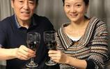 年近7旬張藝謀與36歲嬌妻近照曝光,網友:56歲岳母才是亮點