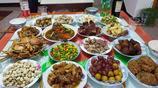實拍杭州農村年夜飯,不做16個菜就不算過年,第一道菜就很受歡迎