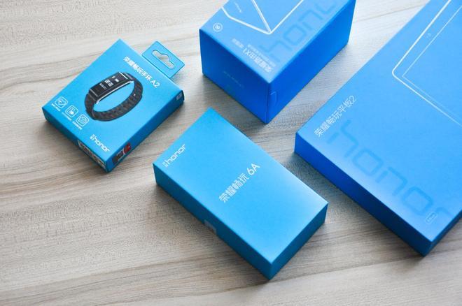 手機平板路由手環,榮耀推出的這四款產品誠意十足!