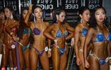 健美健身比基尼大賽眾生相曝光 男女選手互相抹油做準備大博眼球