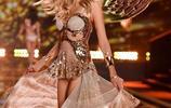 維多利亞的祕密時裝秀,經典翅膀造型,誰點亮了你的眼睛