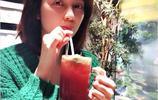 48歲洪欣與蔡少芬朱茵陳法蓉合影,四姐妹顏值不減當年,娘娘素顏