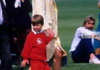 威廉王子長相隨爸還是隨媽?看看三叔愛德華5歲照片,簡直是翻版