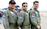 五星紅旗被巴基斯坦戰機排在本國國旗前面,很多中國人為之感動