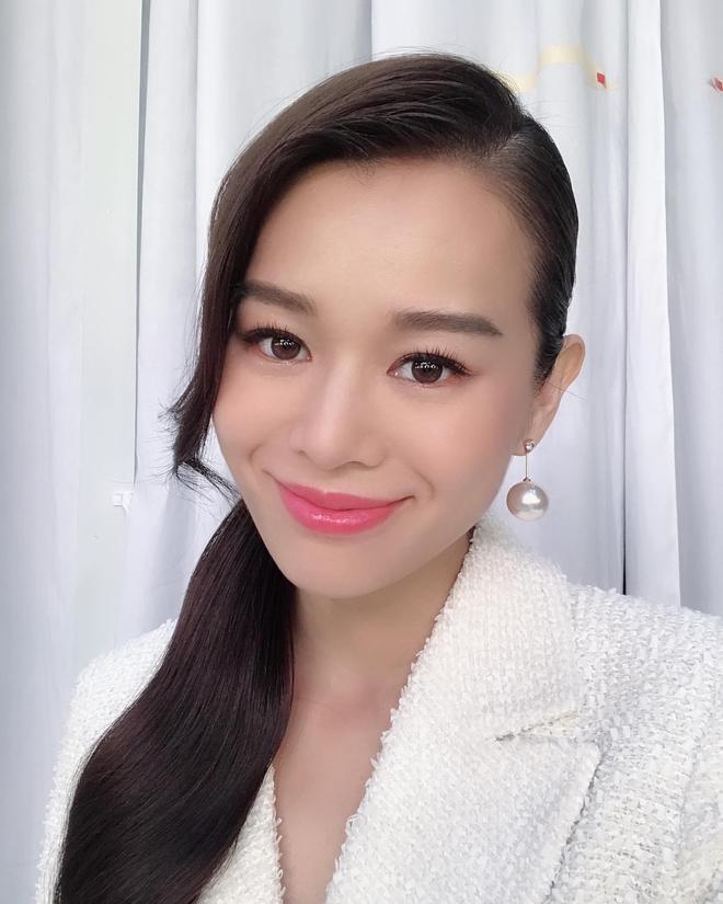 香港藝人胡杏兒(Myolie Wu)