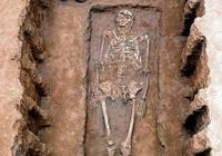 盜掘鑲戎墓葬遇見詭異事,最終命喪黃泉